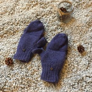 Women's Purple knit gloves
